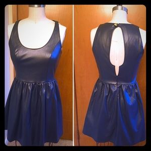 Vera Wang Dresses - Navy patent leather Vera Wang dress, size 3